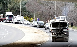 "Australian Truckers Hold ""Convoy Of No Confidence""  Against Gillard Government"