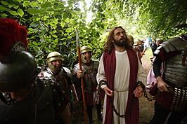 The Wintershall Players Relive The Life Of Christ In Five Hours