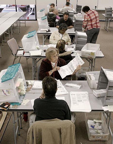 Arizona Officials Count Early Ballots