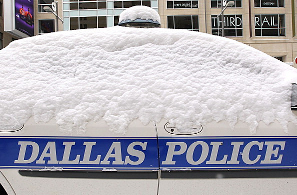 Dallas Area Hit With Snow Storm, Two Days Before City Hosts The Super Bowl