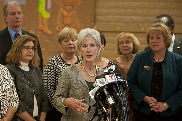 Health And Human Services Chief Sebelius Visits Phoenix Health Center