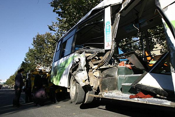 15 Injured In Qingdao Bus-Train Collision