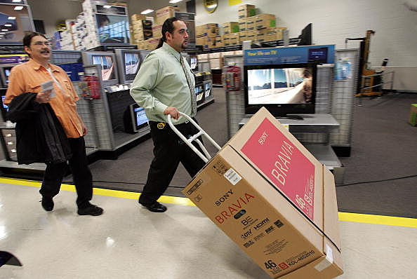 Football Fans Rush To Buy Latest Televisions Ahead Of Super Bowl