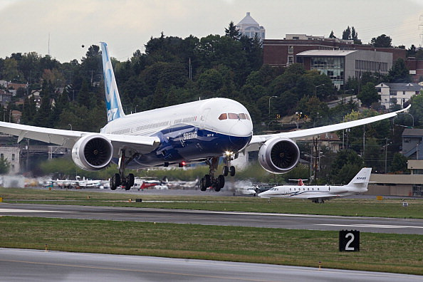 Boeing Test Flies Its Extended Dreamliner 787-9