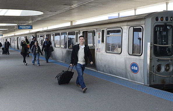 32 Injured As Commuter Train Derails At Chicago's O'Hare Airport