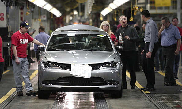 Michigan Chrysler Plant Celebrates Production Of 2015 Chrysler 200