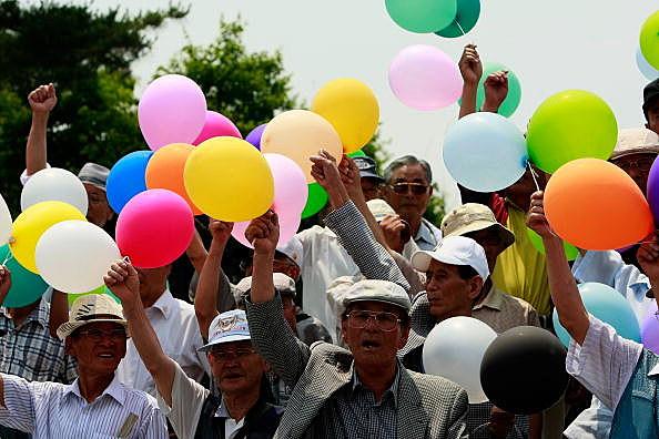 South Korean Activists Release Propaganda Balloons To North Korea